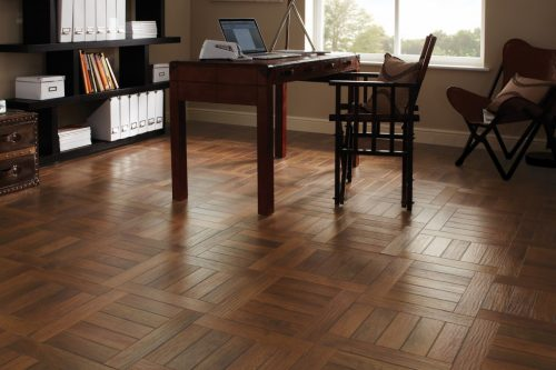 AP31_Russet-Oak_RS_Res_Home-Office_Image-500x333
