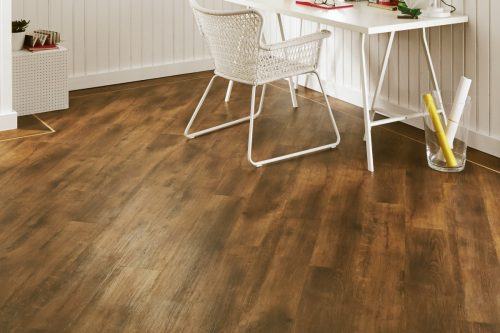 VGW70T_Smoked-Oak_RS_Res_Home-Office_Image-500x333